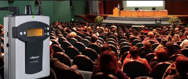 máy phiên dịch Okayo - chìa khóa của những hội nghị quốc tế