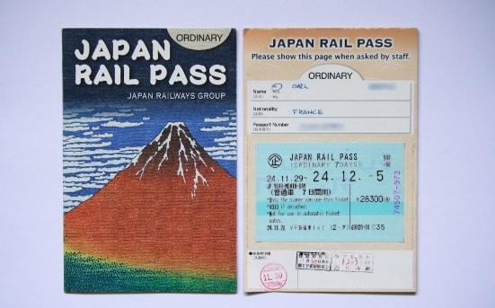 Đi du lịch Nhật nên mang theo gì? Thẻ JR pass