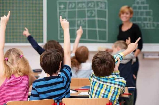 học ngoại ngữ trực tiếp cải thiện ngôn ngữ mẹ đẻ