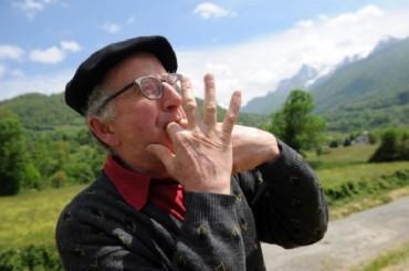 Giao tiếp bằng ngôn ngữ huýt sáo - Vẻ đẹp cần bảo tồn
